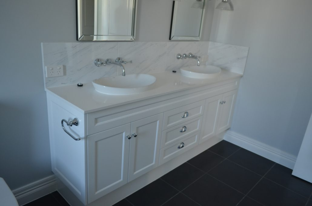 Bathroom vanity brisbane bathroom vanities viva cabinets for Bathroom seconds brisbane
