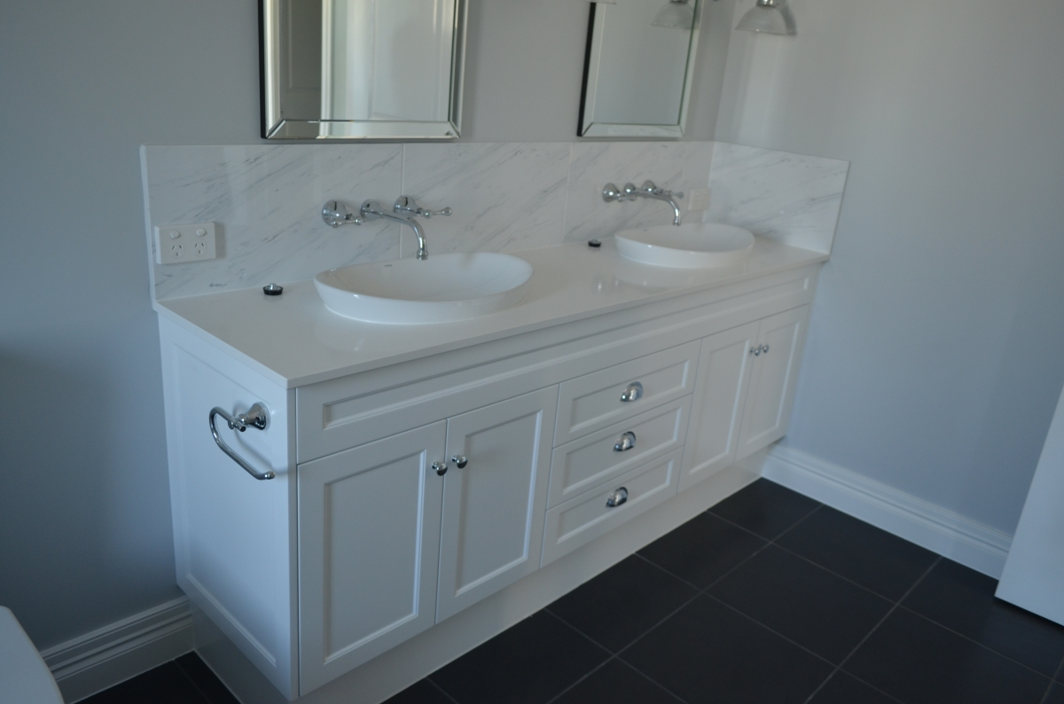 Bathroom vanities 15 gj cabinets for Bathroom vanities and cabinets