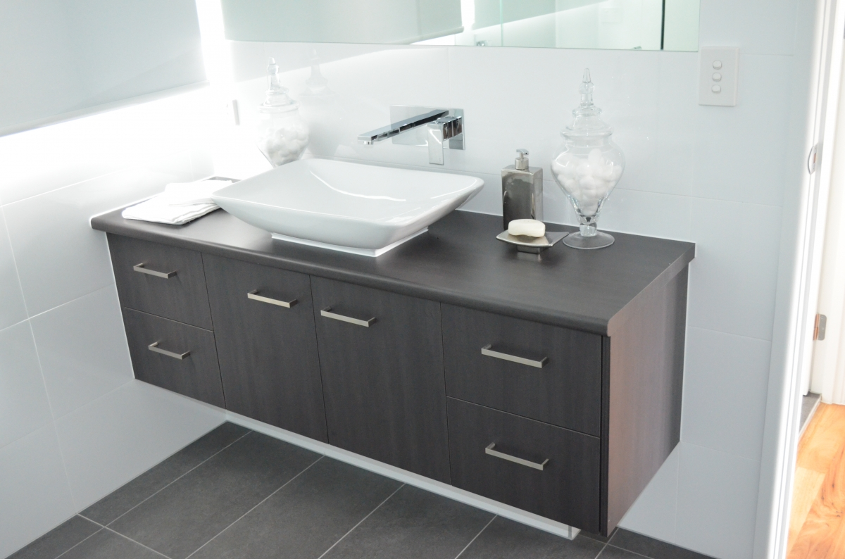 Bathroom vanities 5 gj cabinets for Bathroom vanity cabinets